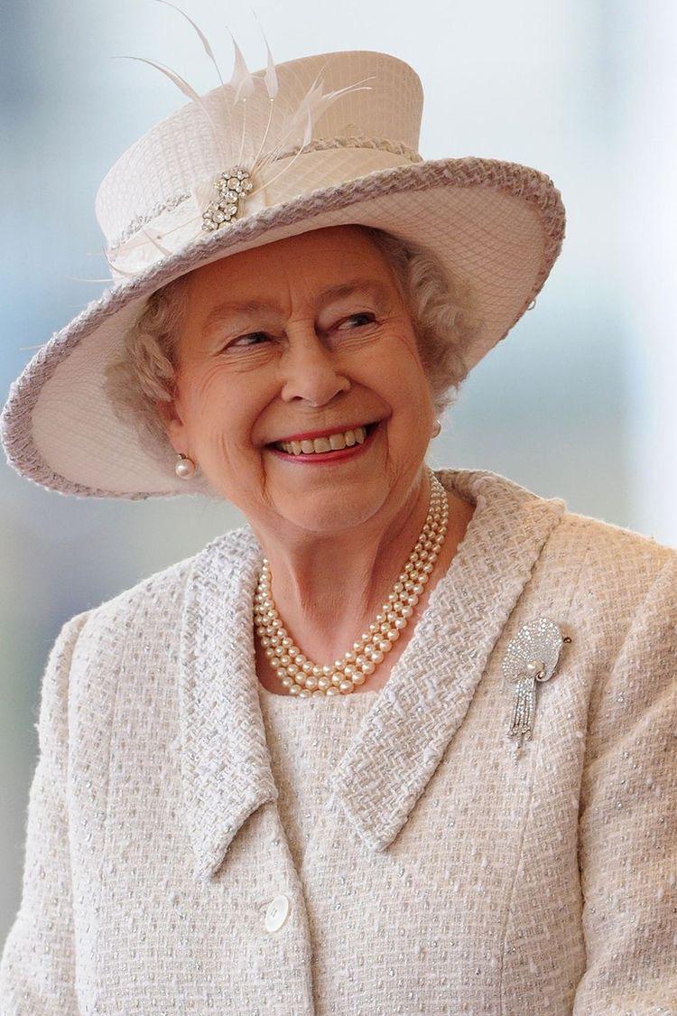 95 Cosas que no sabias de la Reina